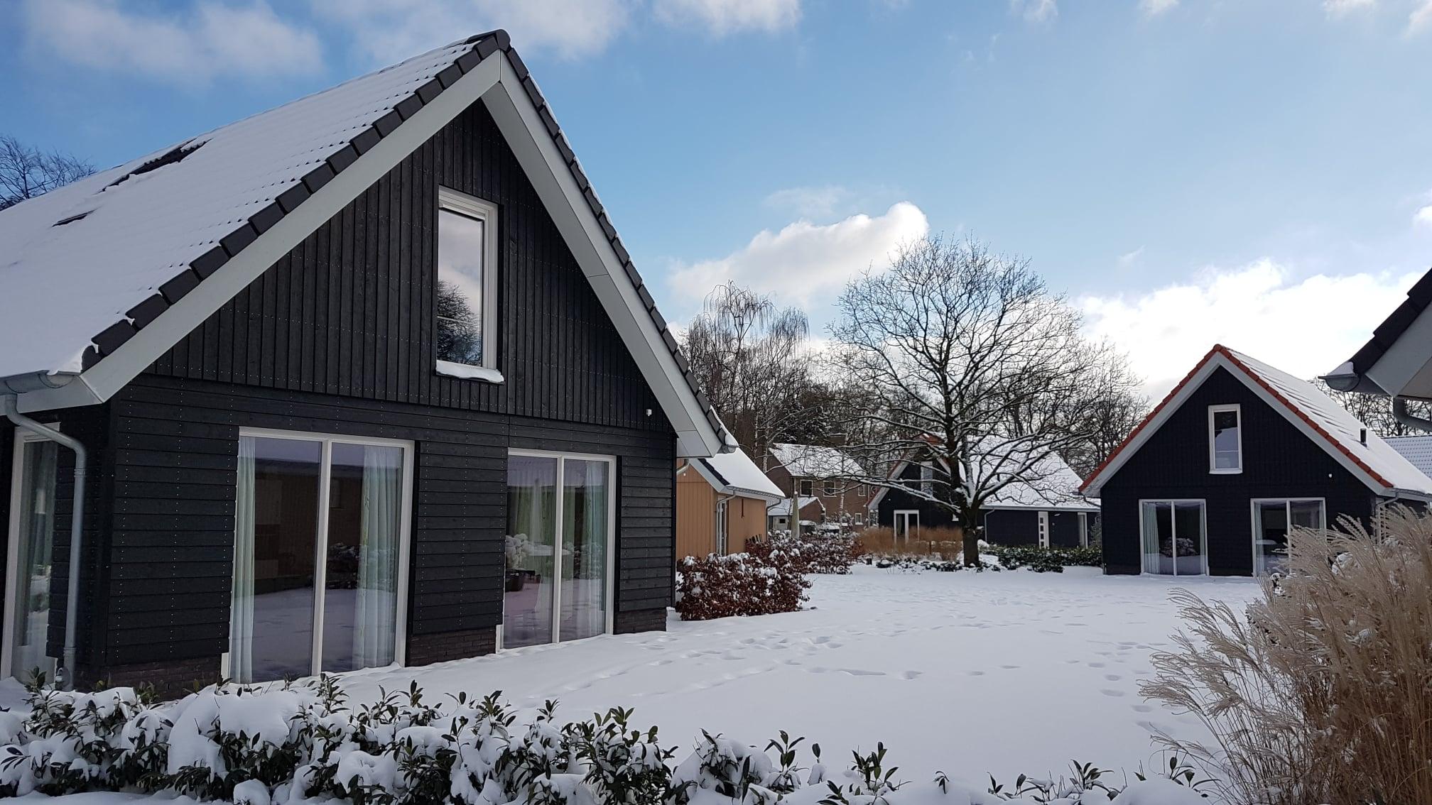 Sneeuw op Villapark Ehzerburg - foto 2